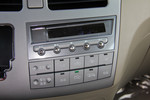 2015款 比亚迪M6 2.4L 自动豪华型