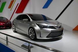 丰田第二代油电混合双擎动力概念车