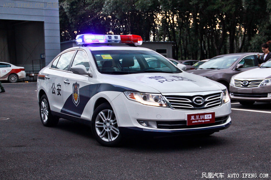 广汽传祺GA5指定车型优惠1万元 有现车