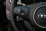 2013款 起亚佳乐 2.0L 自动动舒适版 5座