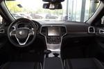 2016款 Jeep大切诺基 3.6L 豪华导航版