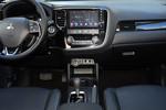 2016款 三菱欧蓝德 2.4L 四驱尊贵版 7座