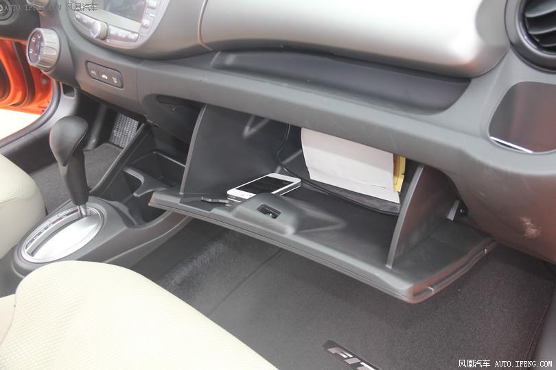 【飞度图片】_2011款 1.3l 自动舒适版图片 本田_汽车