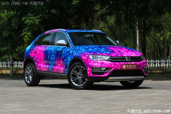 众泰SR7南京售价7.38万元起 现车销售