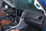 2019款 大通T70 2.0T 手动两驱精英型大双高底盘
