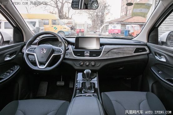 2019款 宝骏730 1.5T DCT时尚型 7座